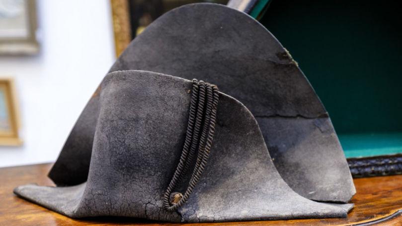 O pălărie purtată de Napoleon Bonaparte va fi scoasă la licitație