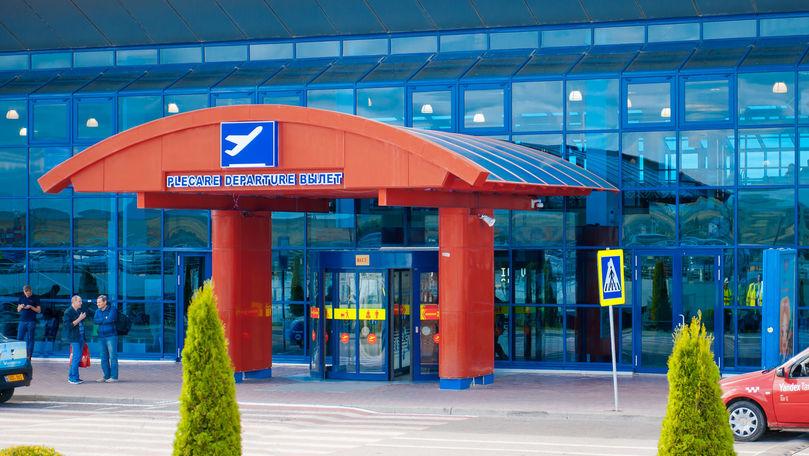 Lacrimi și îmbrățișări la Aeroport: Moldovenii se întorc în străinătate