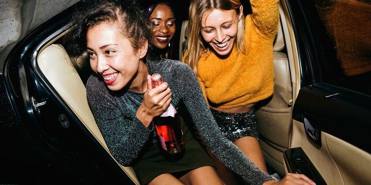 Почему слабые связи с коллегами бывают важнее крепкой дружбы