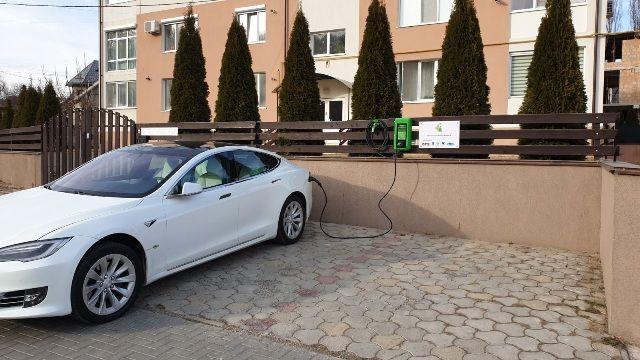 Первая заправка для электромобилей от солнечных панелей в Кишинёве