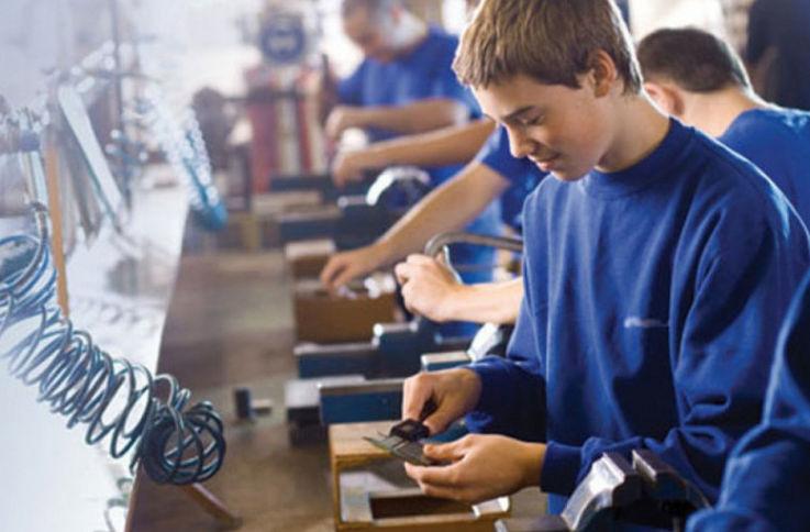 1 300 молодых людей смогут быть допущены к дуальному образованию