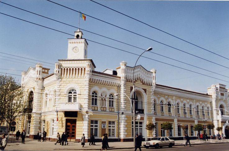 Noi vicepretori în trei sectoare din Chișinău