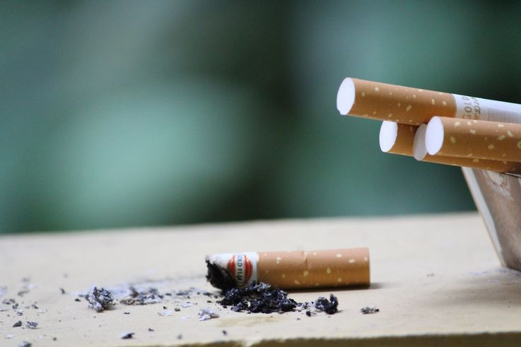 Каждый пятый работодатель отдает предпочтение некурящим соискателям