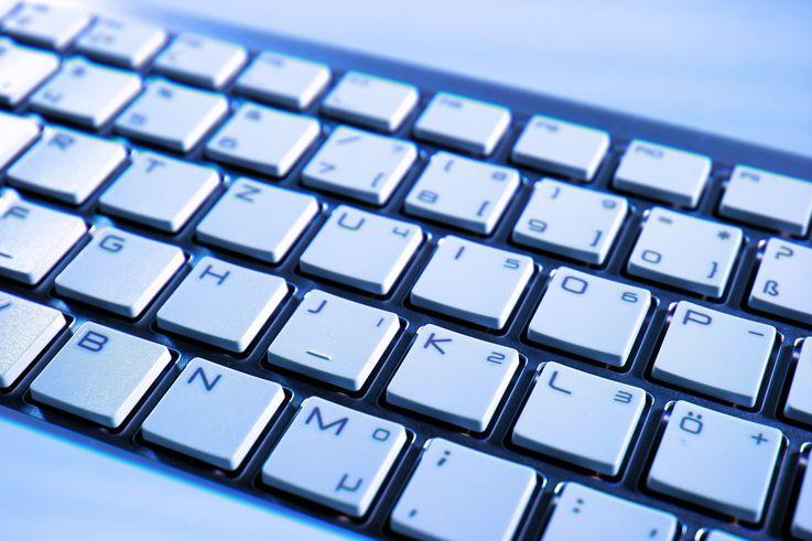Instituțiile de învățământ din 12 raioane vor fi dotate cu calculatoare