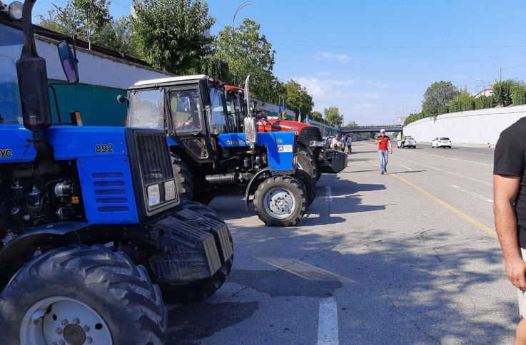 Agricultorii au anunțat că renunță la proteste