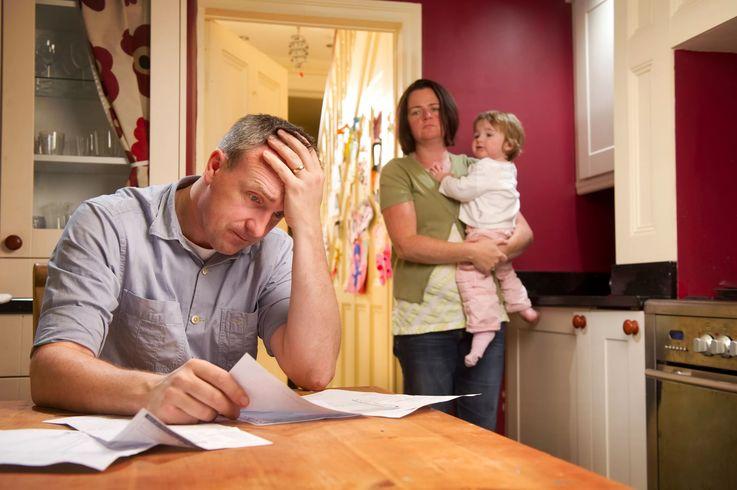 Семьям с низкими доходами повысят размер пособий на время действия ЧП