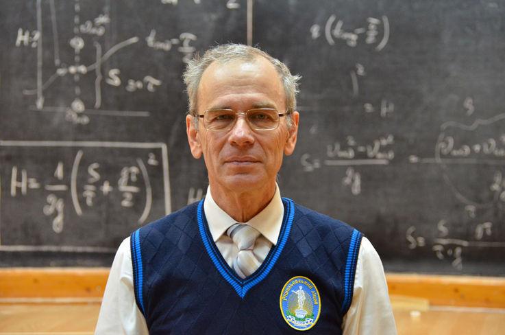 Учитель в Одессе записал 473 бесплатных видеоурока по физике