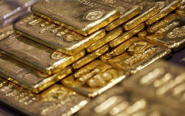 Дешевеющая нефть и коронавирус спровоцировали резкий рост цен на золото