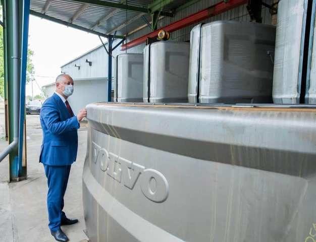 В РМ работает фирма, которая поставляет запчасти для Volvo и Caterpillar