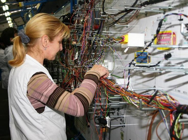 В Кишинёве открылся завод по производству кабелей