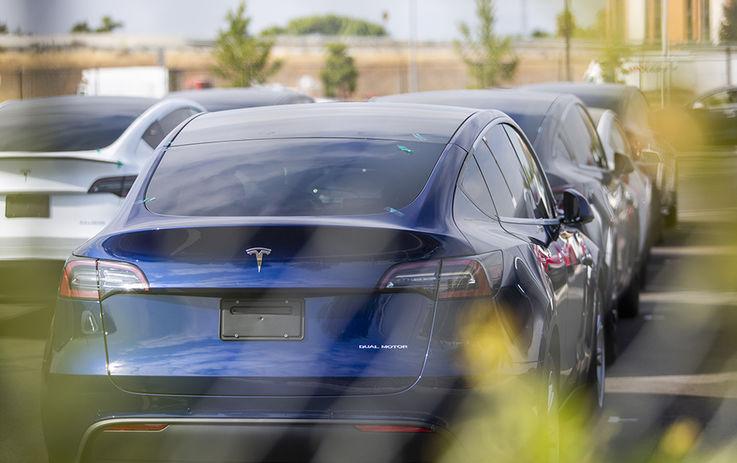Почему массовый переход на электромобили может похоронить автопром