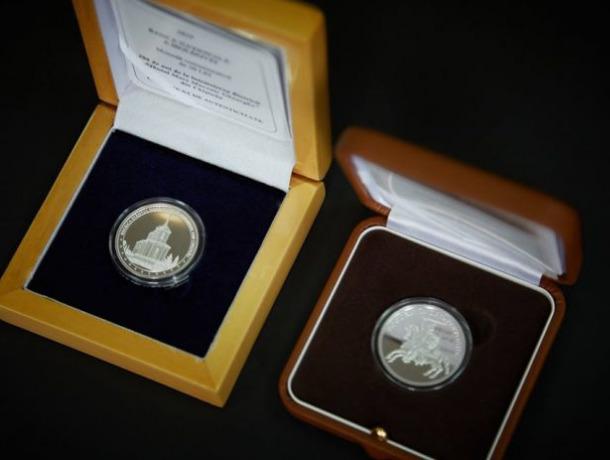 В Молдове появились две новые коллекционные серебряные монеты