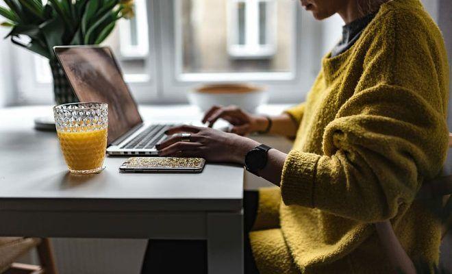 Îți dorești un job remote? Iată ce ar trebui să știi!