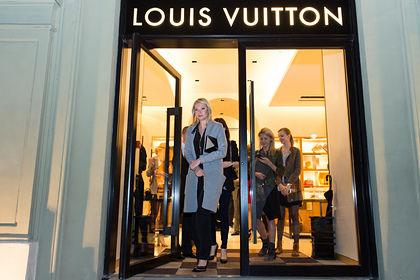 Сотрудники Gucci и Louis Vuitton обвинили своих работодателей в сговоре