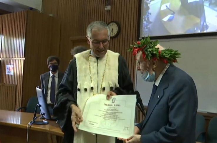 Житель Италии стал выпускником университета в 96 лет