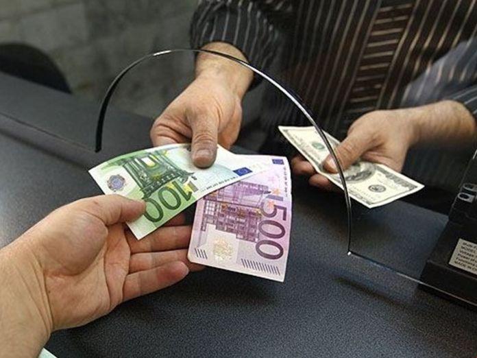 Ажиотажный спрос на валюту в Молдове покрывают резервы финансового рынка