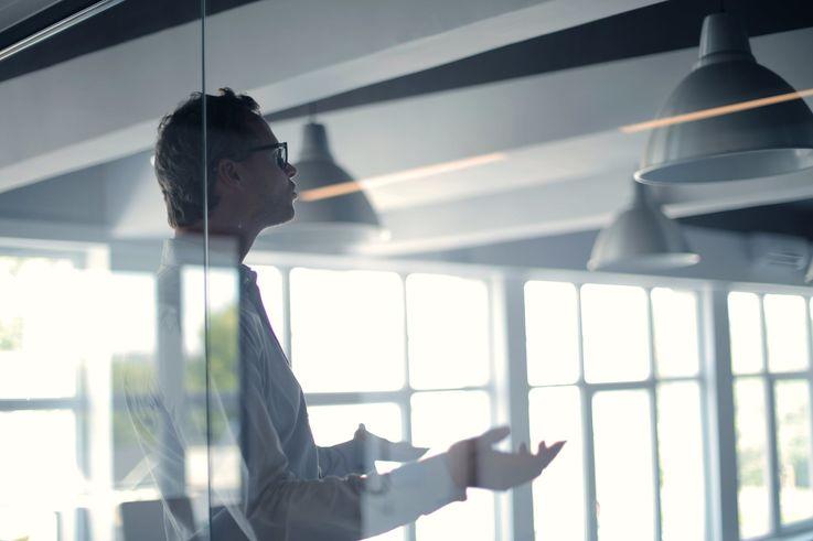 Как правильно использовать KPI для оценки работы сотрудников
