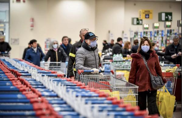 Отмечен рост цен на некоторые продукты после введения ЧП