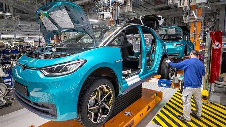 Электромобили могут оставить без работы более 400 тыс. немцев