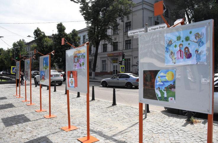 В столице открылась выставка, посвящённая врачам, борющихся с пандемией