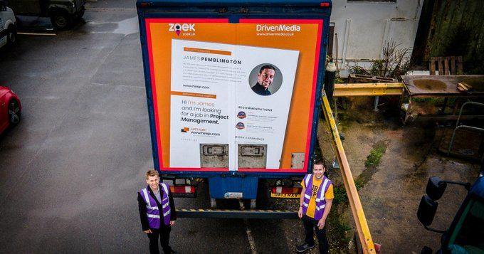 Безработный британец разместил свое резюме на грузовике