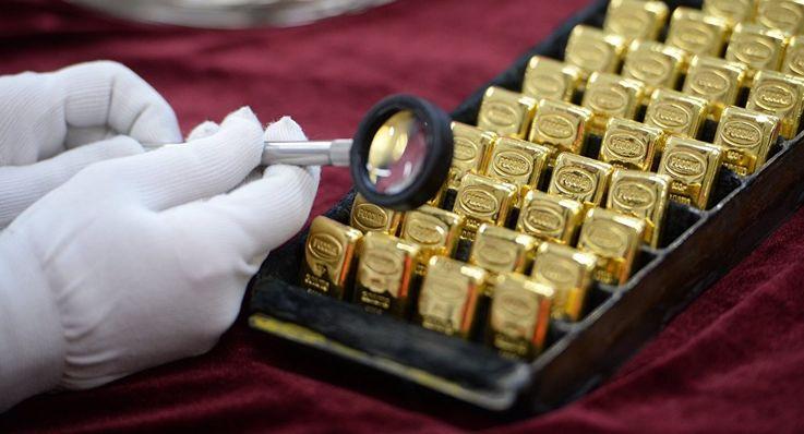 Пандемия вдвое снизила спрос на золото в Молдове