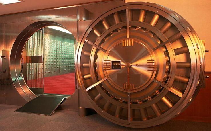 Страх перед кризисом вернул моду на сейфы среди миллиардеров