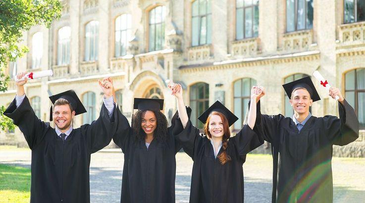 Хочу учиться в университете за границей со стипендией. Как это сделать?