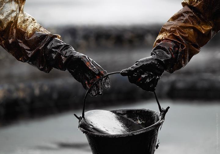 Традиционный прогноз от Saxo Bank на год: нефть по $90, поражение Трампа