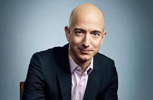 $3,5 млрд за неделю: богатейший человек мира распродаёт акции Amazon