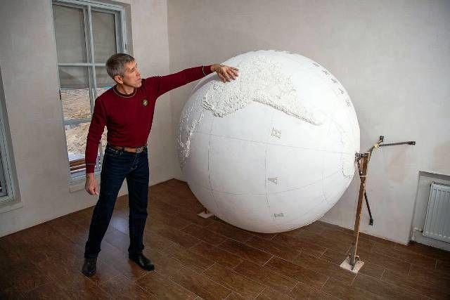 Тактильный глобус: сделано в Молдове