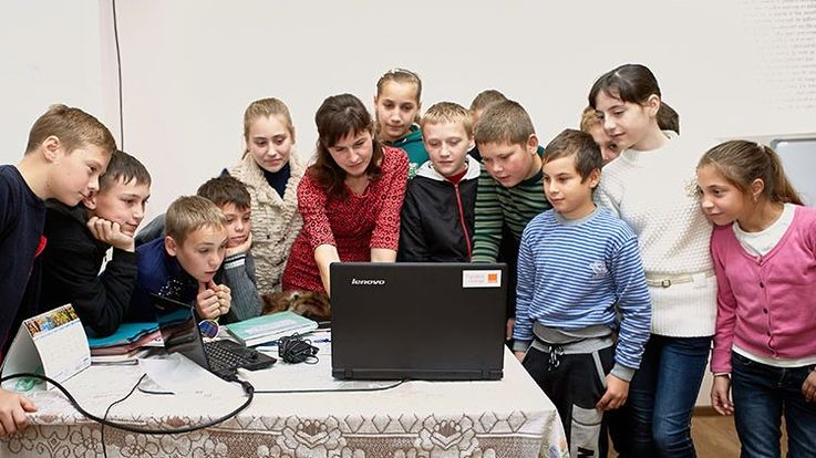Почему в школах Молдовы лучше не посещать уроки информатики?