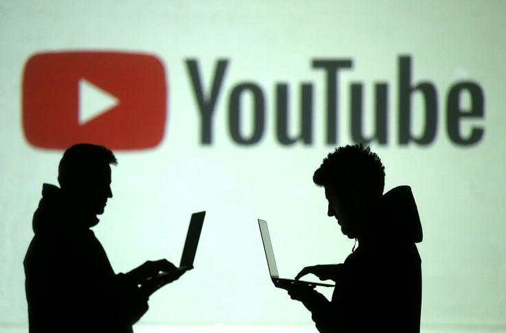 Экс-модератор YouTube подала иск против компании