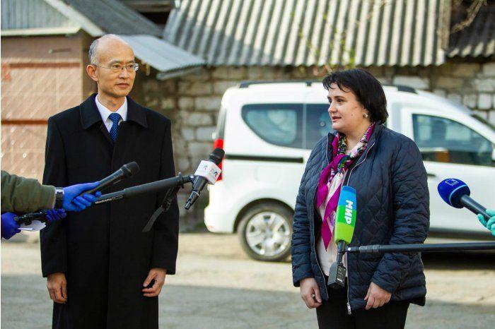 Молдова получила от Китая партию из 1500 тестов на выявление COVID-19