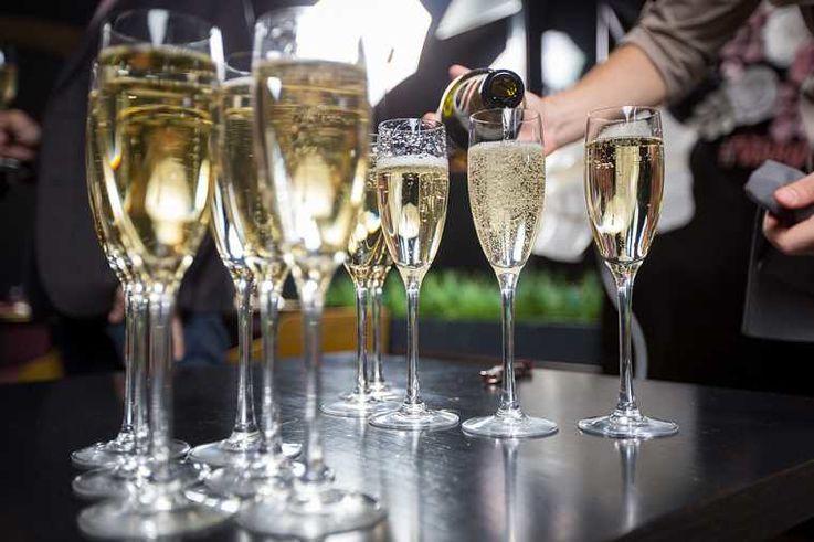 Экспорт молдавского игристого вина резко сократился из-за пандемии