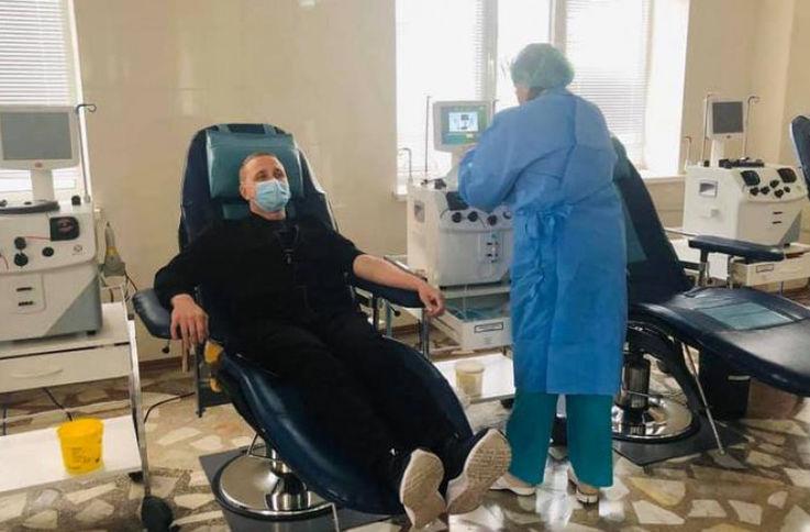 Глава SMURD стал первым донором плазмы для заражённых коронавирусом в РМ