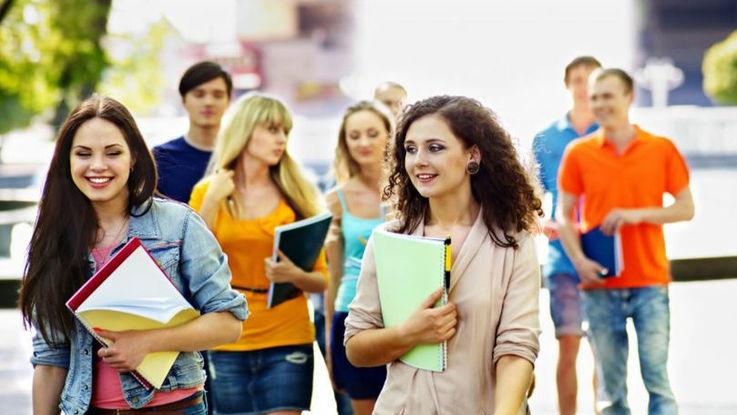 În ultimii 10 ani, în Moldova numărul studenților s-a redus în jumătate