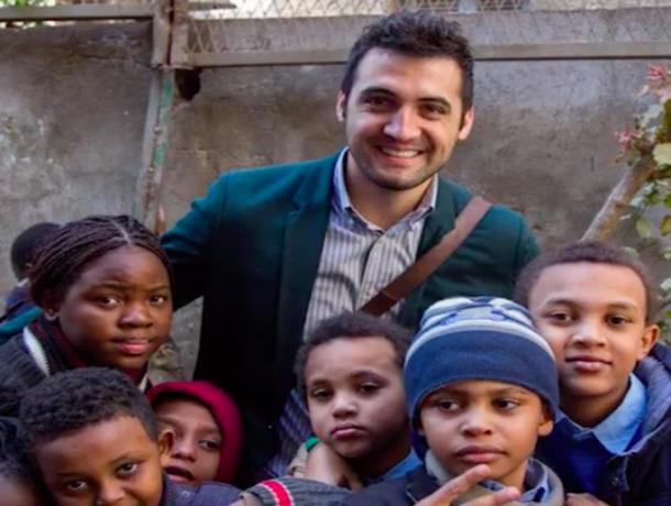 Волонтёр из Молдовы организовал в Каире бесплатную школу для детей