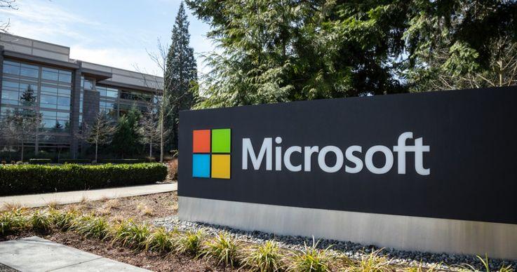 Un angajat de la Microsoft a furat 10 mil. dolari din contul companiei