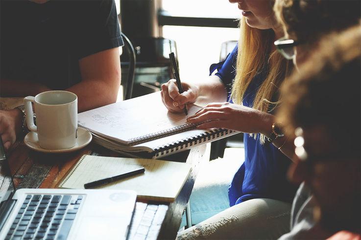 Привычки, которые убивают продуктивность дома и в офисе