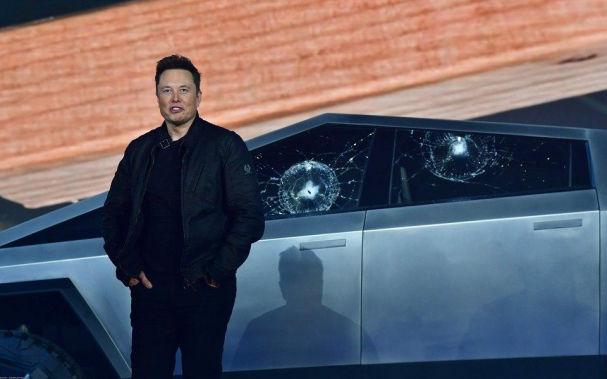 Презентация необычного пикапа от Tesla разорила Илона Маска на $770 млн