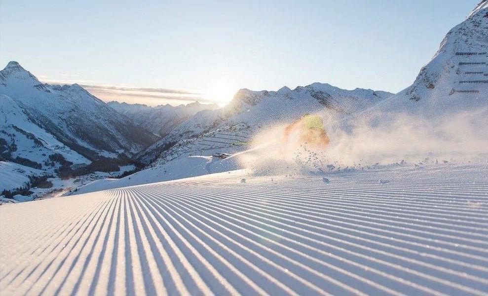 Картинки горные лыжи вельвет, открытка двойняшкам