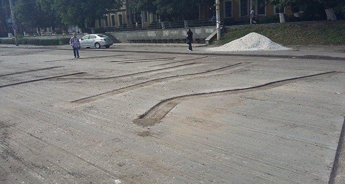 """В Кишиневе на дороге оставили """"неизвестные письмена"""""""