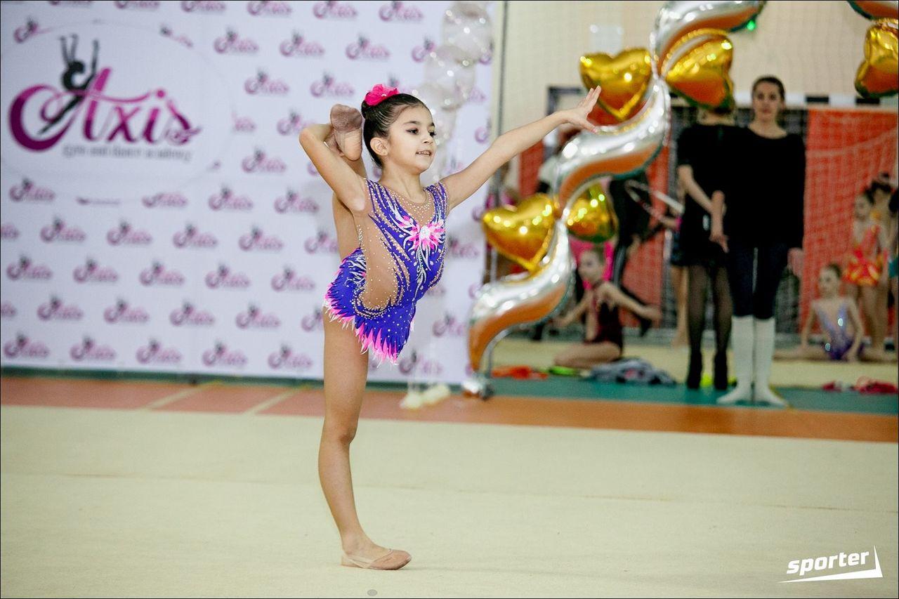 Китайские гимнастки фото ню фото 459-965