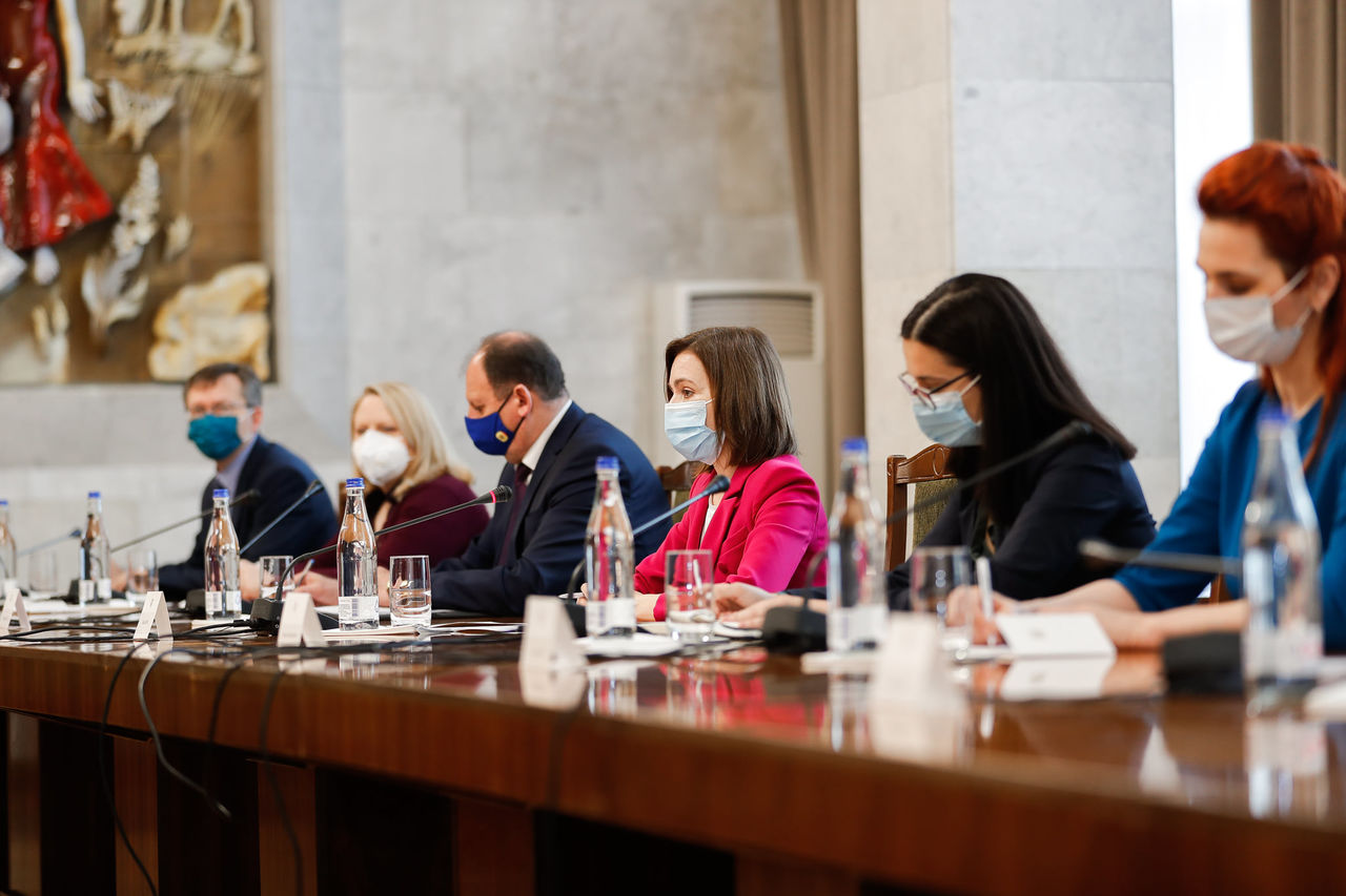 Санду: Урегулирование приднестровского конфликта должно происходить мирным путем