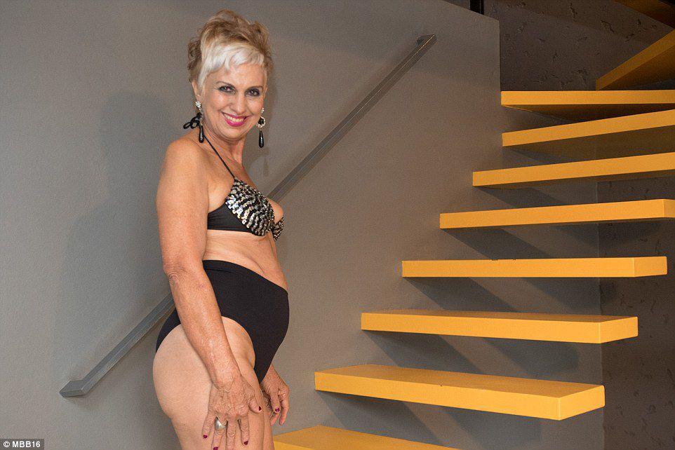 Фото в на женщину старше 50 лет