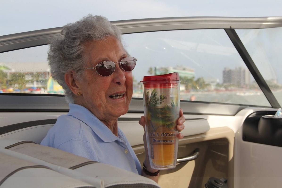 Раком пожилую женщины бабушку 7 фотография