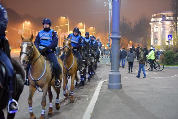 Десятки тыс. граждан Бухареста вышли наантикоррупционную акцию протеста
