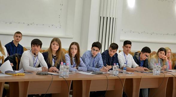 В Кишиневе у Муниципального совета появилась молодежная версия