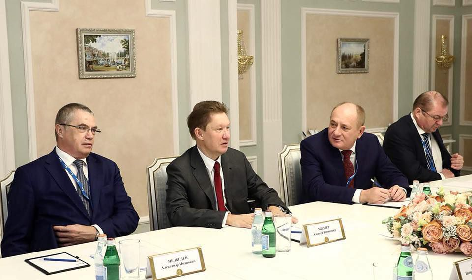 """Додон обсудил вопрос поставок газа в Молдову с главой """"Газпрома"""""""